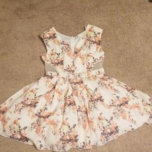 💋 4 for $20 peach floral dress